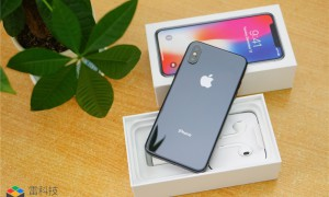 iPhone X又被嘲讽了!谷歌新机海报放出:相机更胜一筹