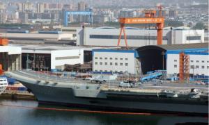 002航母甲板画跑道线,歼-15、直-18以上舰,即将传来一好消息