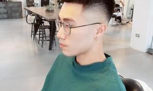 """原创 男生还是留""""两边铲""""发型最帅气,头发短而清爽,看着就想剪"""