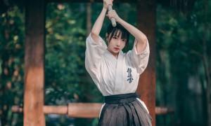 日系剑道美女高清手机壁纸