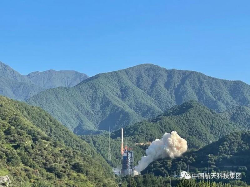 中国成功发射遥感三十号10组卫星